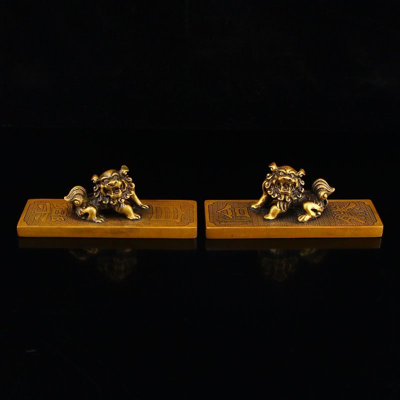 A Pair Vintage Chinese Brass Paperweights w Lions