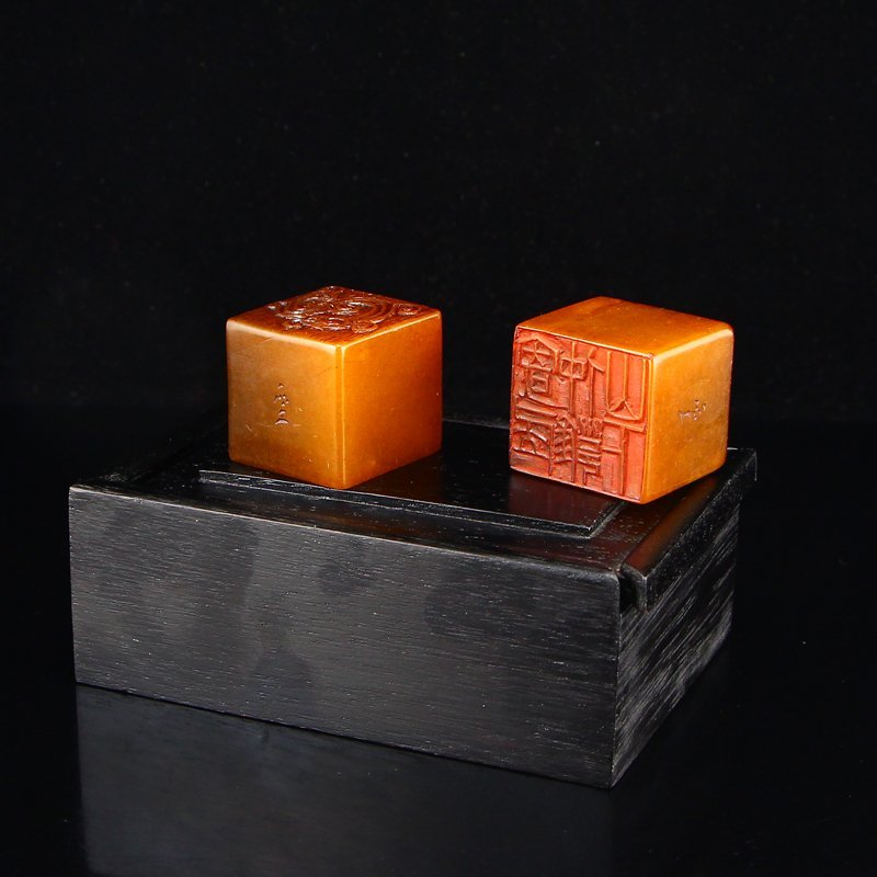 Shoushan Stone Tian Huang Stone Seals w Zitan Wood Box