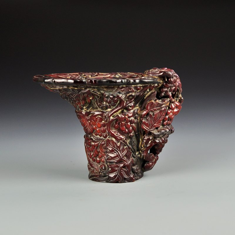 Chinese Qing Dy Ox Horn Sacrificed Cup w Grapes