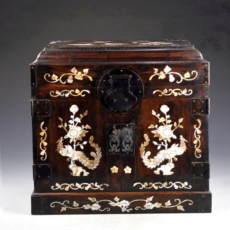 Vintage Chinese Zitan Wood Inlay Shells Jewel Box