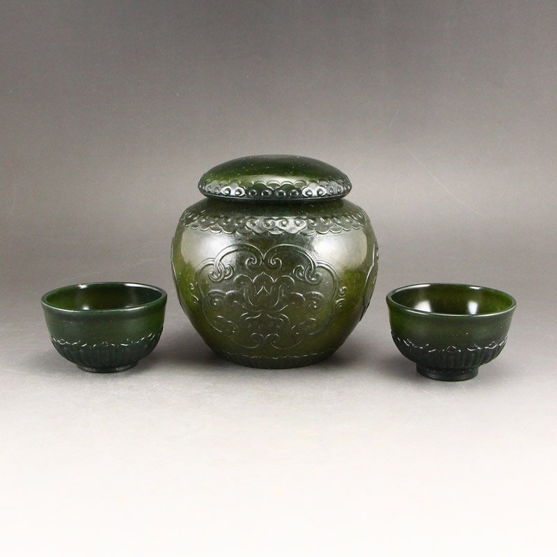 Chinese Qing Dy Green Hetian Jade Tea Caddy & Cups