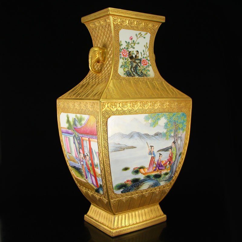China Gilt Gold Famille Rose Porcelain Double Ears Vase - 2