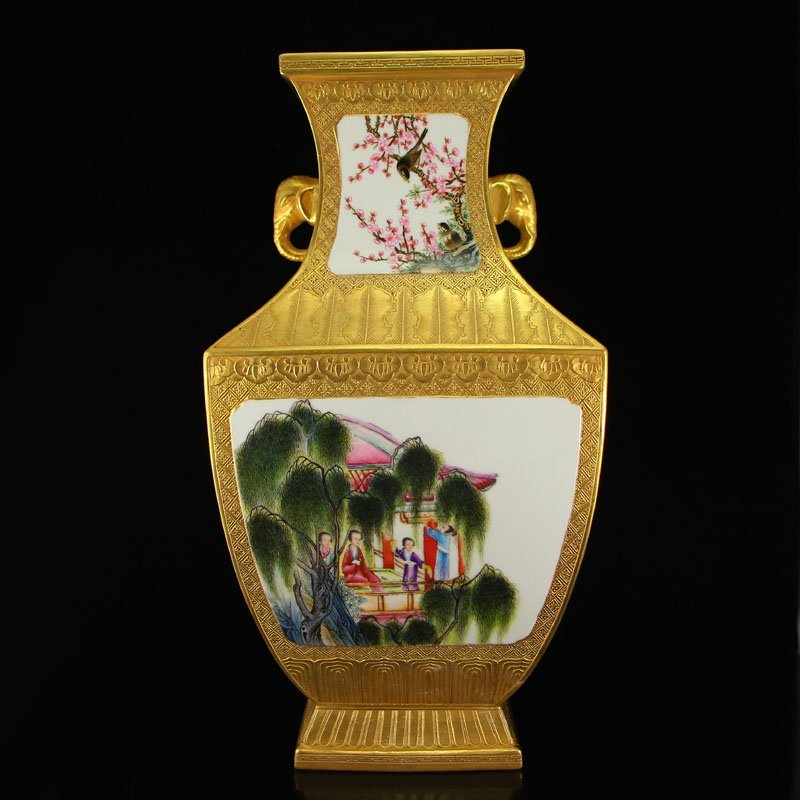 China Gilt Gold Famille Rose Porcelain Double Ears Vase - 4