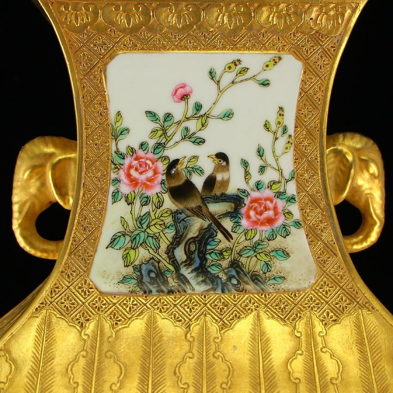 China Gilt Gold Famille Rose Porcelain Double Ears Vase - 7