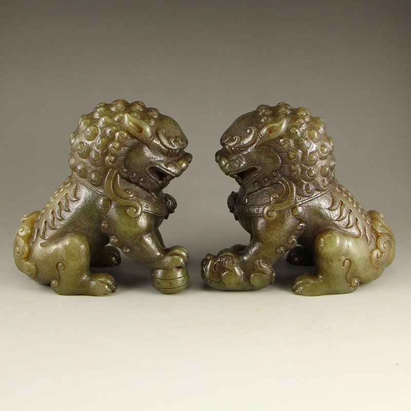 A Pair Vintage Chinese Hetian Jade Lions Statue