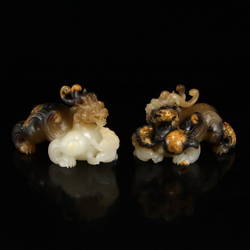 Superb Chinese Hetian Jade Lucky Beast Statues - 2