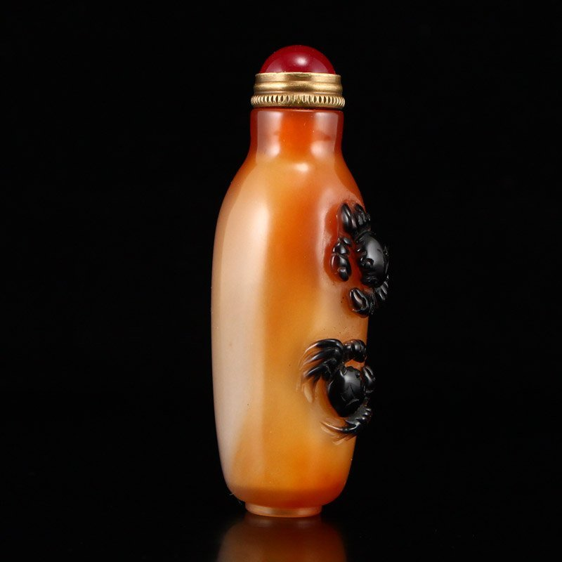 Chinese Natural Agate Snuff Bottle w Crabs - 2