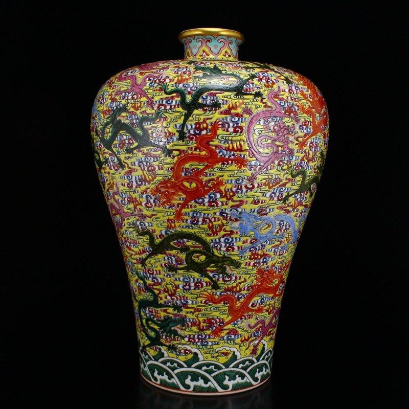 Superb Gilt Edges Famille Rose Porcelain Big Vase