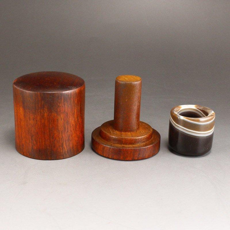 Vintage Chinese Agate Thumb Ring w Zitan Wood Box