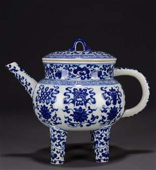 Chinese Qing Dy Blue And White Porcelain 4 Legs Teapot