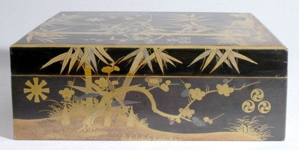 1022: Japanese Black and Gold Lacquered Box