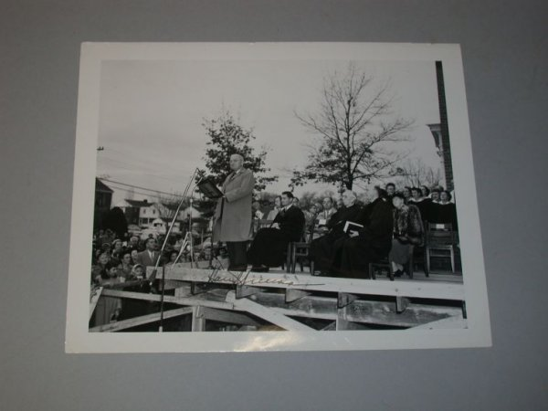 3017: TRUMAN, HARRY S. Photograph signed