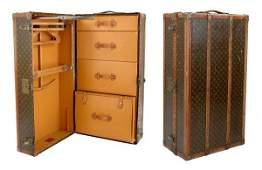 1580 Louis Vuitton Wardrobe Trunk