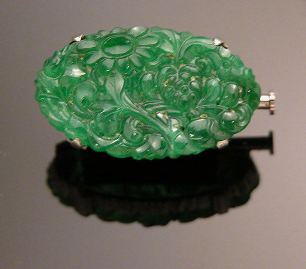 604: Carved Jade Pin