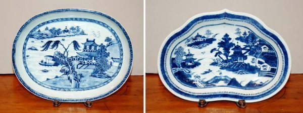 2009: Two Chinese Export Blue and White Porcelain Dishe