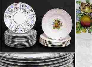 Set of Twelve Wedgwood Silver Lustre Scalloped De