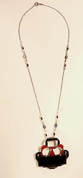 3020: Necklace with Art Deco Pendant