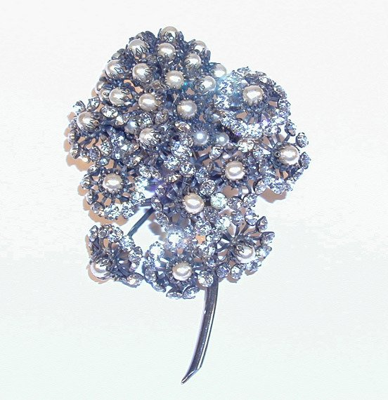 3206: Cissy Zoltowska for Balenciaga Dandelion Brooch