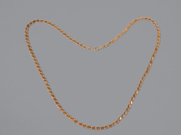 7: Gold Chain Necklace