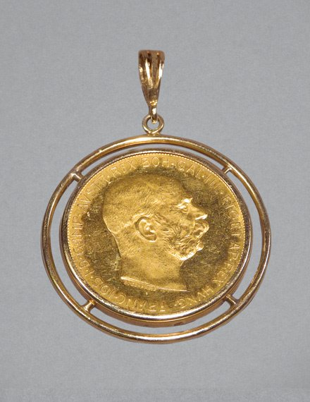 15: Gold Coin Pendant