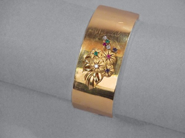 16: Gold, Diamond & Gem-Set Bangle