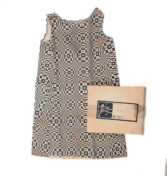 1104: Paper Caper Op Art Paper Dress