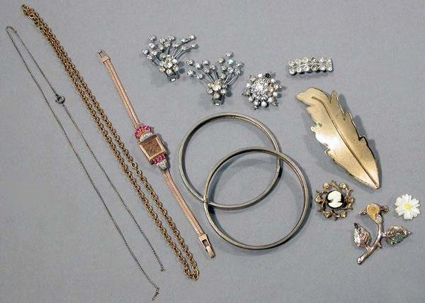 10: Retro Rose Gold Wristwatch and Assorted Costume Jew