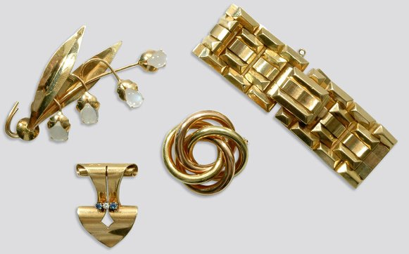 2007: Group of Retro Gold Jewelry