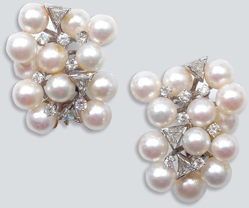 2012: Pair of Cultured Pearl and Diamond Cluster Earcli