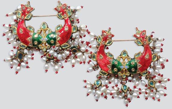 2015: Pair of Indian Jaipur Enamel, Biwa Pearl, Diamond