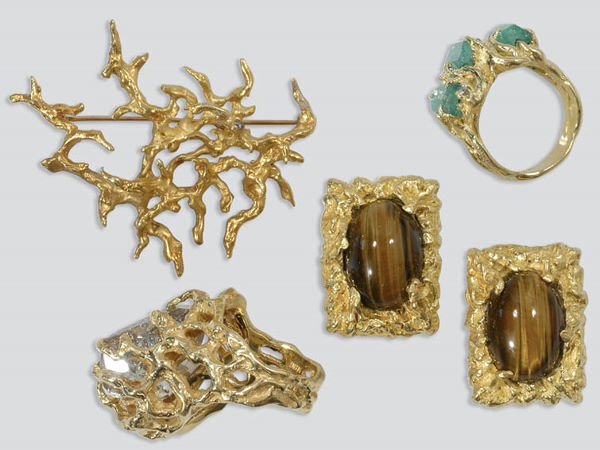 2018: Two Gold and Gem-Set Rings, Pair of Cufflinks and