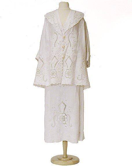 2009: White Linen Traveling Ensemble