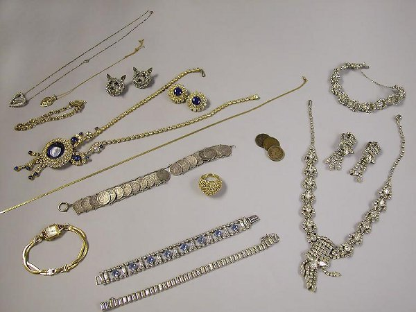 4009A: Group of Assorted Jewelry and Coins