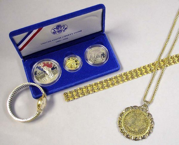 4039: Group of Assorted Jewelry and Coins