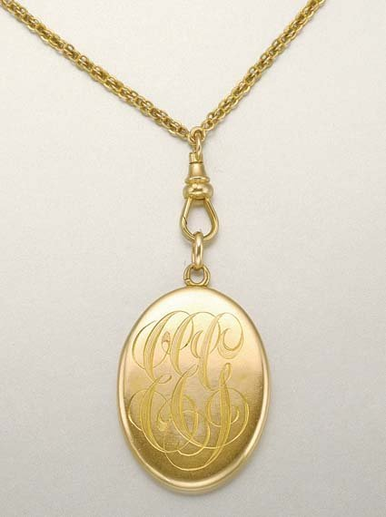1018: Antique Gold Locket and Chain