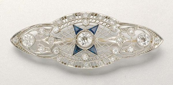 1020: Diamond and Sapphire Brooch