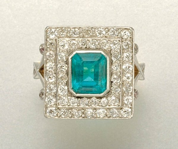1021: Emerald and Diamond Ring