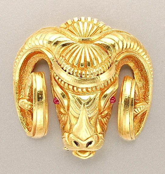 1422: Gold Ram's Head Clip Brooch