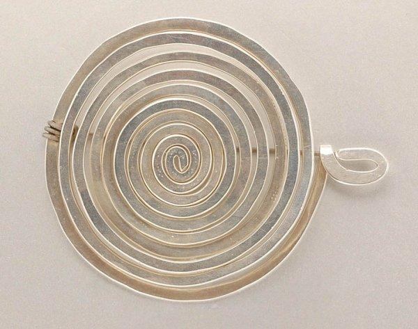 3125: Alexander Calder UNTITLED (BROOCH) Silver