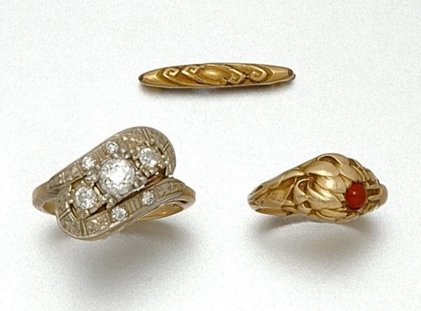 5: Group of Jewelry