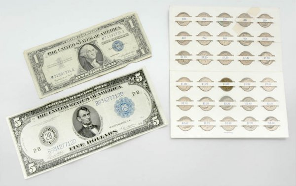 7: Group of Assorted U.S. Paper Currency and Dimes