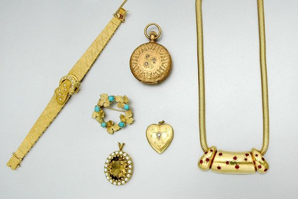 8: Group of Assorted Gold, White Gold and Diamond Jewel