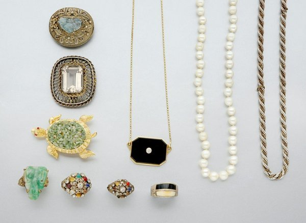 17: Group of Assorted Jewelry and Costume Jewelry