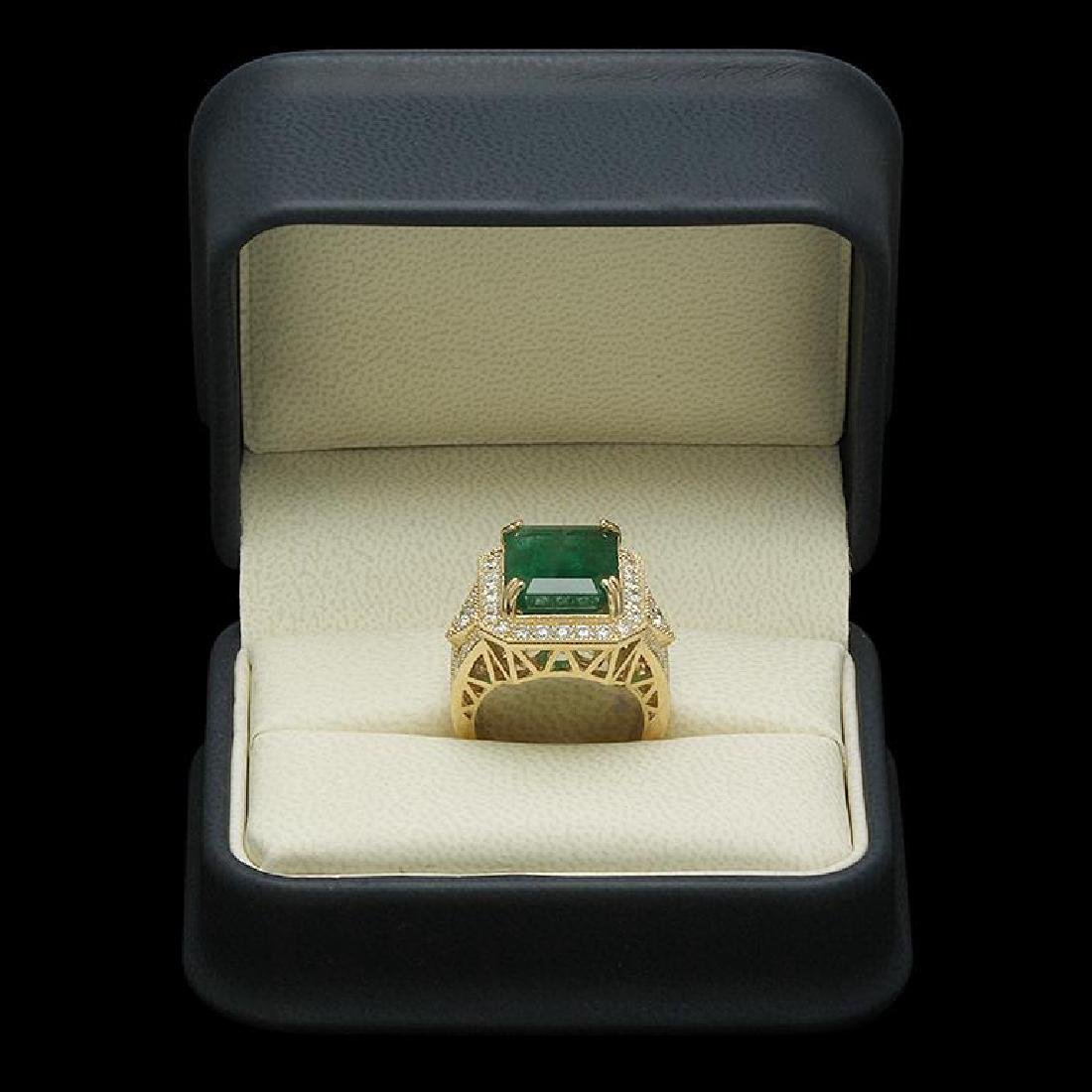 14K Gold 9.94ct Emerald 2.00ct Diamond Ring - 3