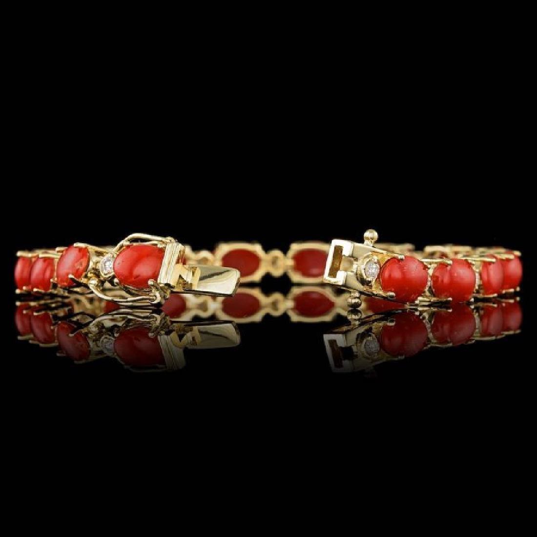 14k Gold 15.00ct Coral 0.80ct Diamond Bracelet - 3