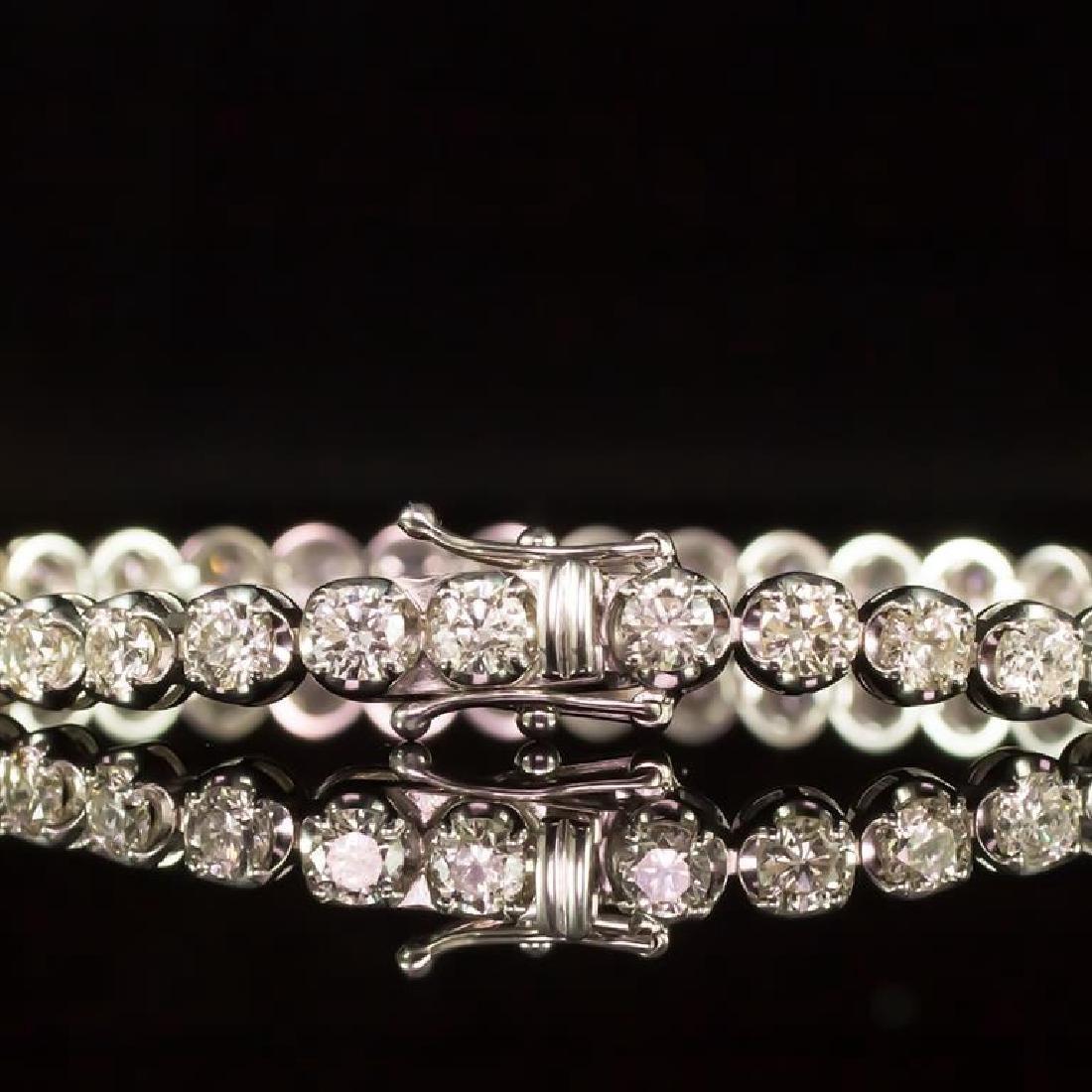 18K Gold 7.33ct Diamond Bracelet - 3