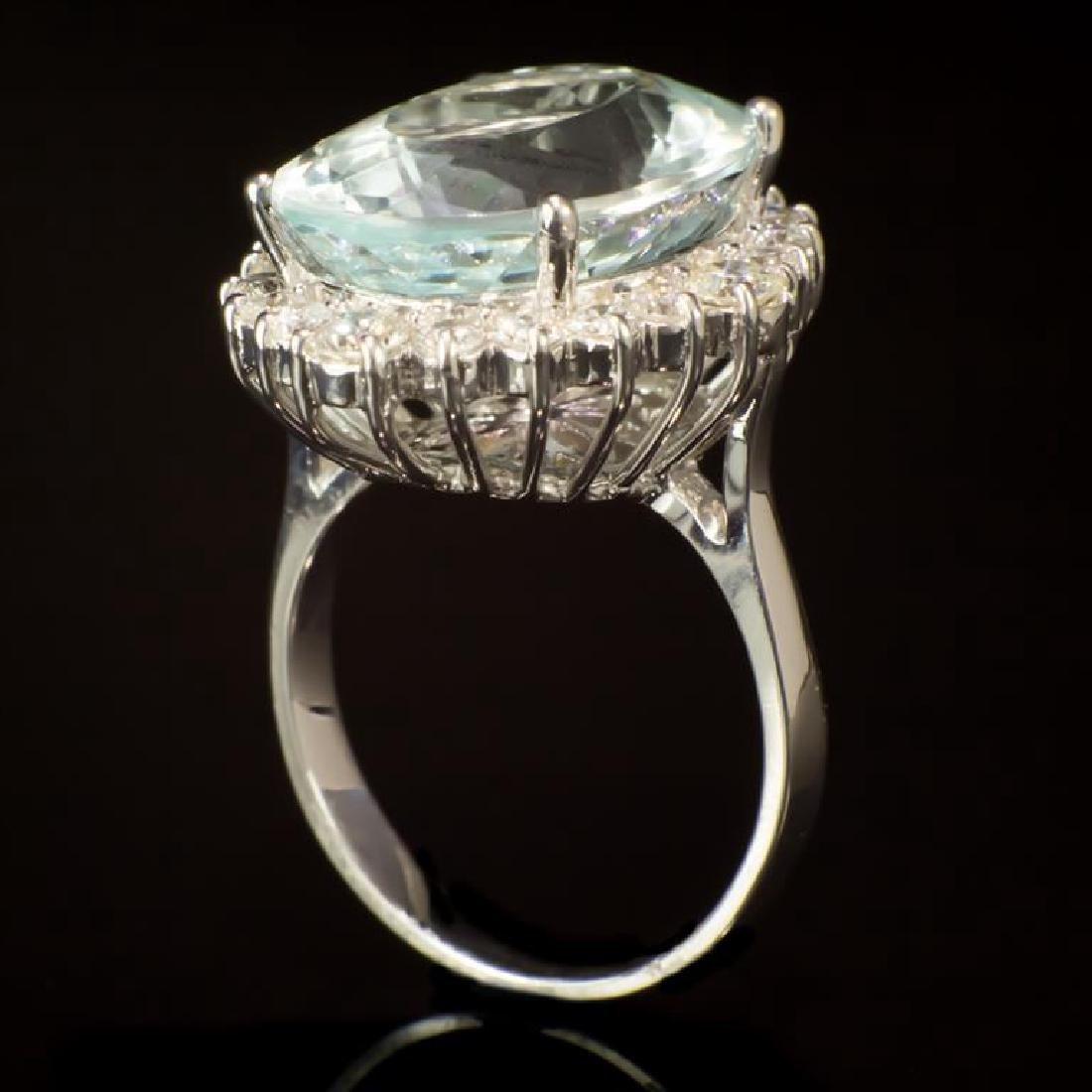 14K Gold 11.83ct Aquamarine 1.30ct Diamond Ring - 3