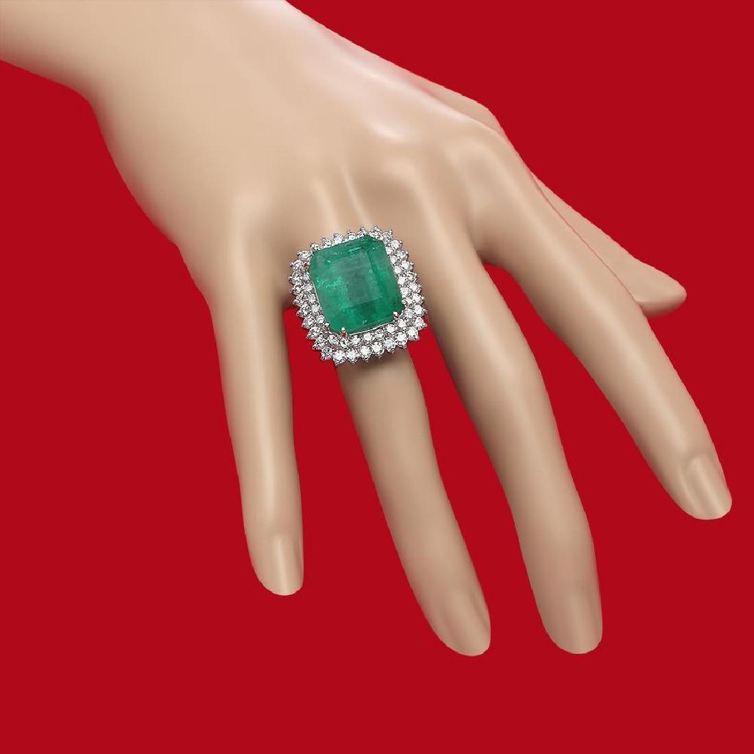 14K Gold 19.12 Emerald 2.75 Diamond Ring - 3