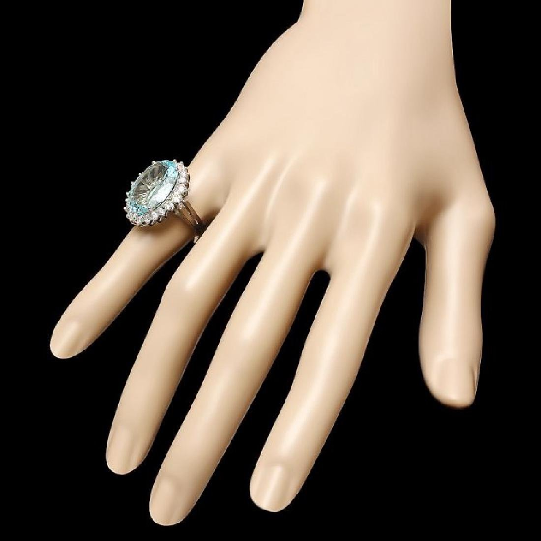 14k Gold 9.00ct Aquamarine 1.30ct Diamond Ring - 3
