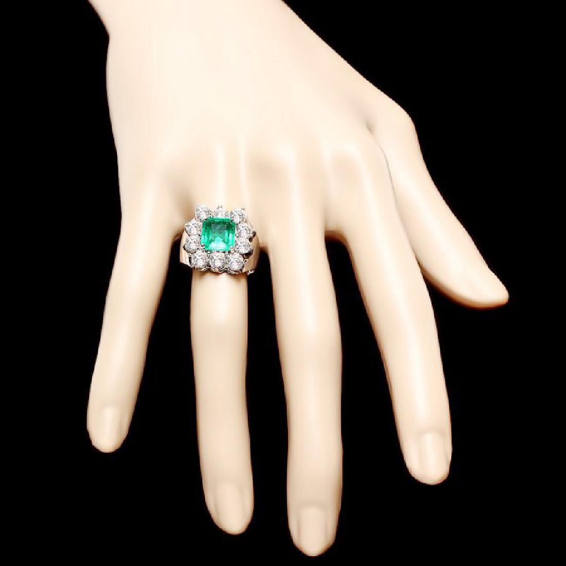 18k White Gold 2.00ct Emerald 2.60ct Diamond Ring - 4